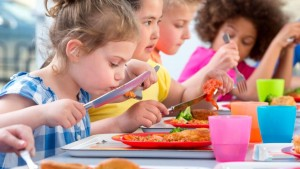 cantine-scolaire-enfants-1_5659435-1030x579